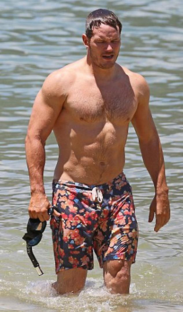 Joyeux anniversaire ! Chris-pratt-on-the-beach-sexy-actor-1
