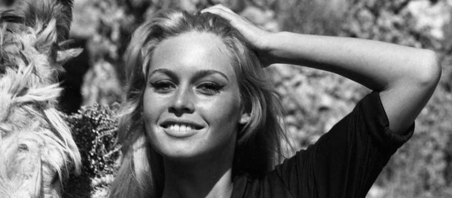 les plus belles photos de Brigitte Bardot.Brigitte Bardot avec un visage  radieux au soleil 4ebc2d91b3b