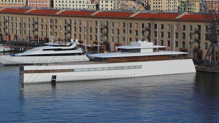 yacht steve jobs des