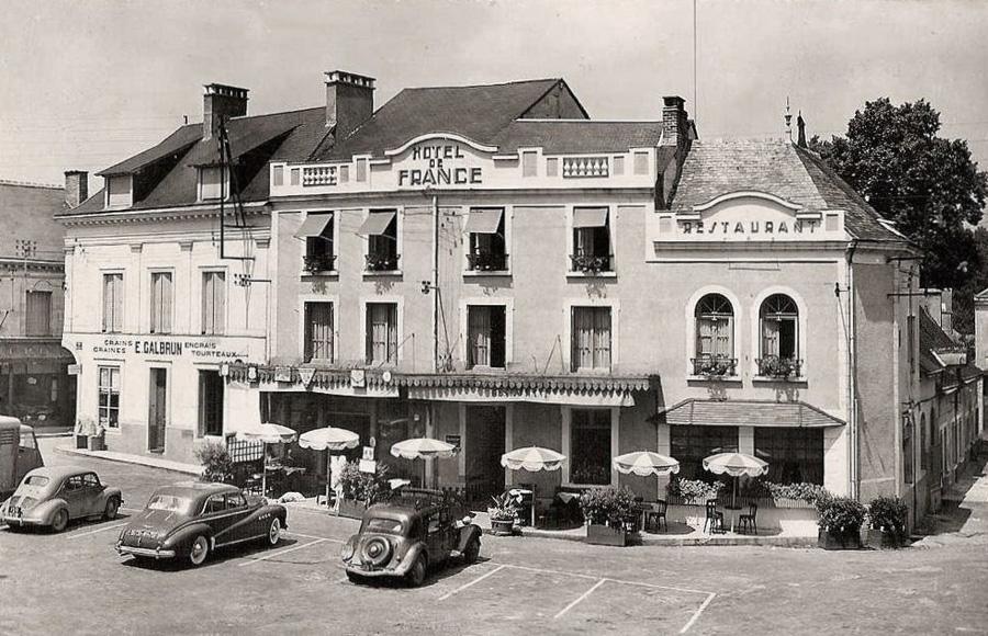 Photogriffon cartes postales des belles voitures anciennes francaise et tr - La chartre sur le loire ...