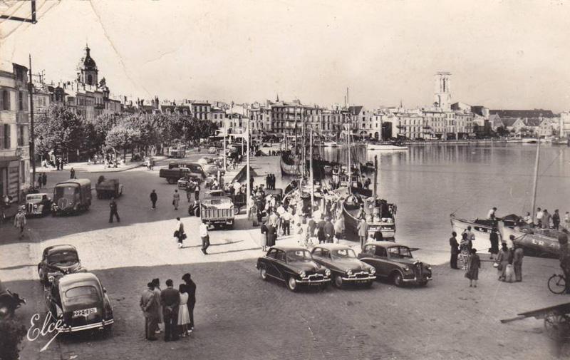 Index of photos du monde vieilles voitures en cartes postales for Garage voiture ancienne la rochelle
