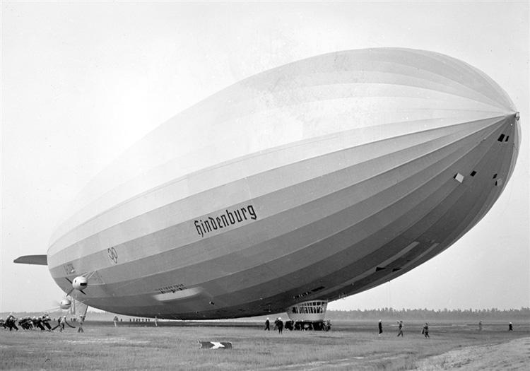 France Air Expo Zeppelin-Hindenburg-2